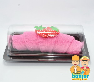 Towel Cake Crosaint Strawbery CT-15