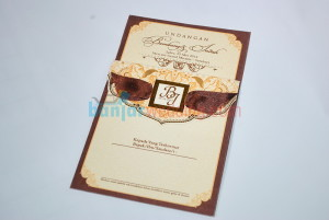 Undangan Pernikahan Amplop Pita EBI09C